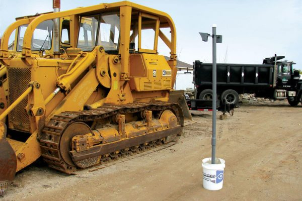 Outdoor-MotionViewer-DCV-Installation-On-bucket-Yellow-construction-vehicule-1_LR-1024x768